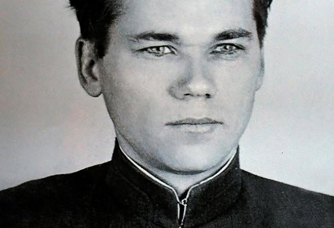 Михаил Калашников в молодости