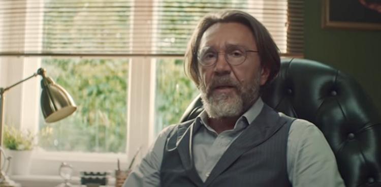 В клипе «Мне бы хлеба» (2021)