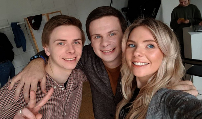 С братом и сестрой