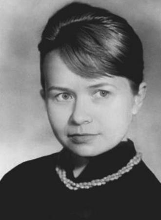Александра Пахмутова в юности