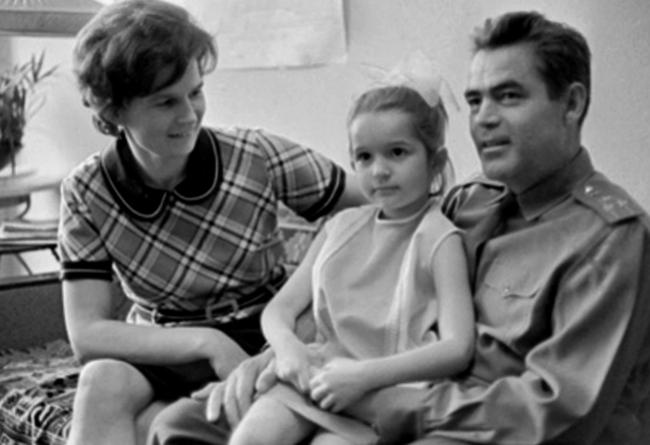 Валентина, Елена и Адриян