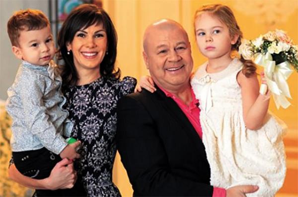 С Анной и детьми