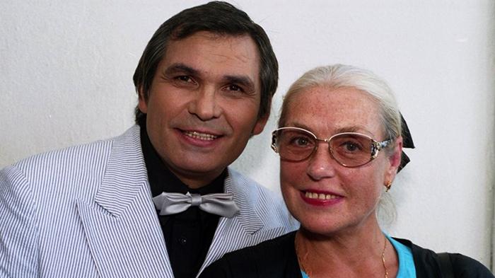 С Бари Алибасовым