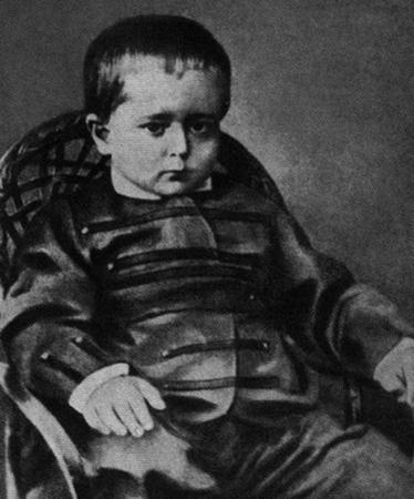 Леонид в детстве