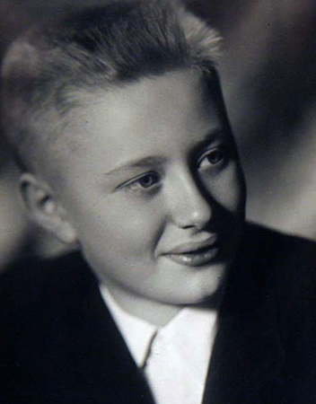 Андрей в детстве