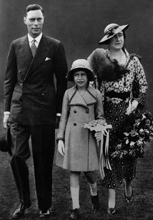Елизавета 2 в детстве с родителями