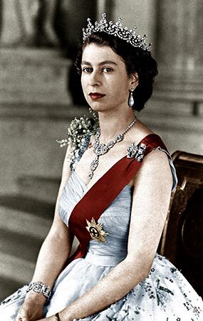 Елизавета 2 с короной