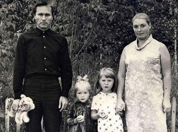 С Лидией Федосеевой и дочерьми
