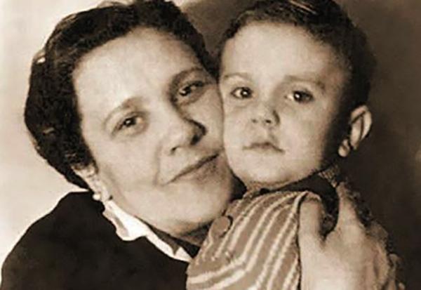С мамой Натальей