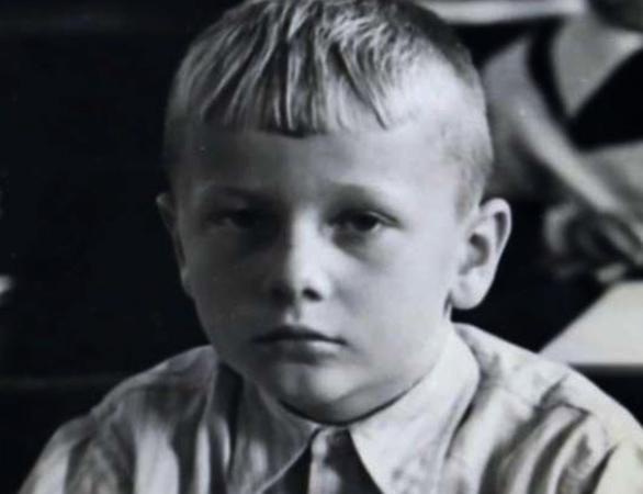 Михаил в детстве