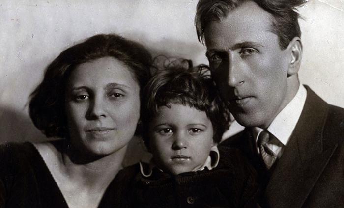 С первой женой и сыном