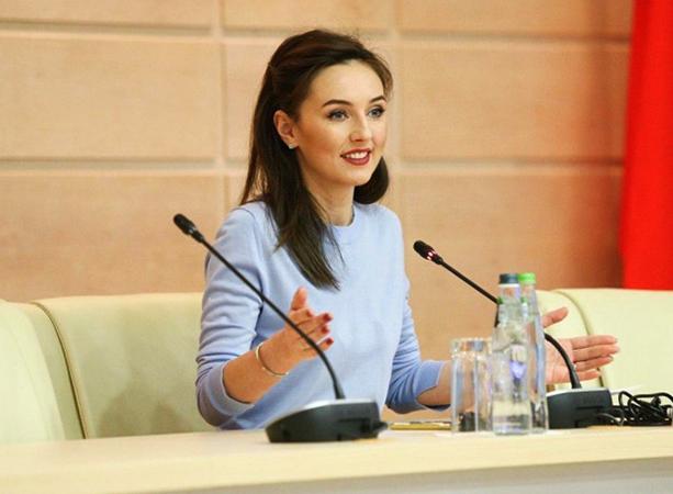 Ирина на заседании