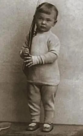 Сергей в детстве