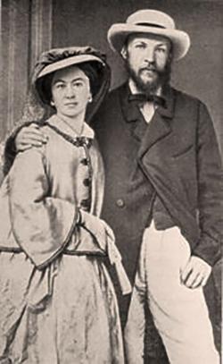 Серафима Лещева (слева)