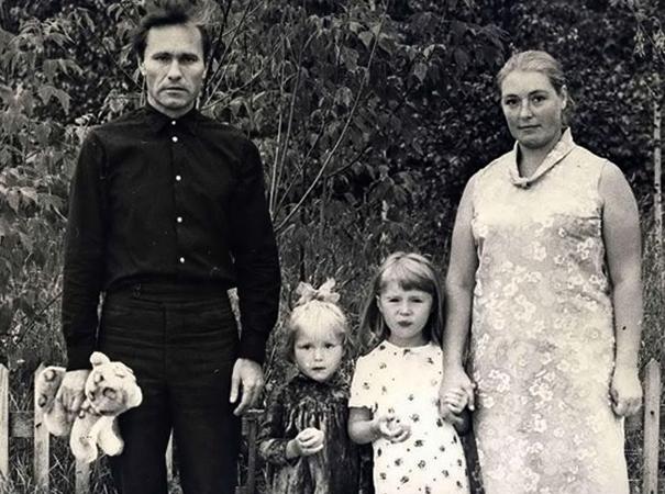 С Василием и дочерьми