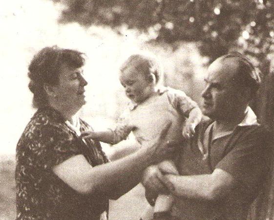 С женой Татьяной и внуком