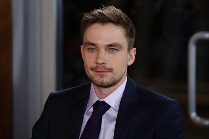 Актер Александр Петров