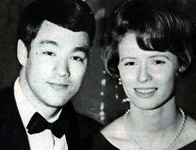 Брюс и Линда