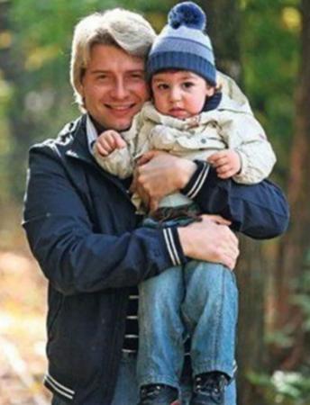 С сыном Брониславом