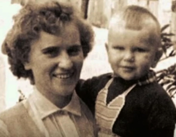 В детстве с мамой
