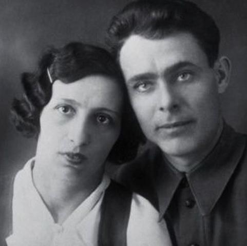 С женой Викторией