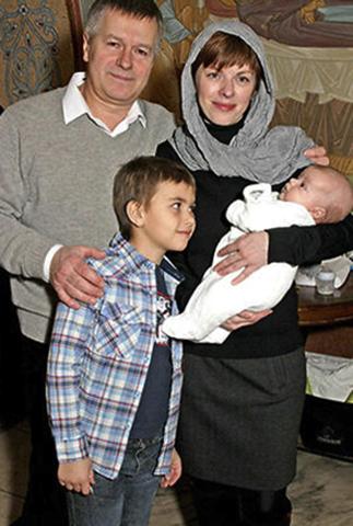 С женой Ольгой и сыновьями