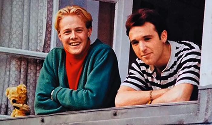 В молодости (слева)