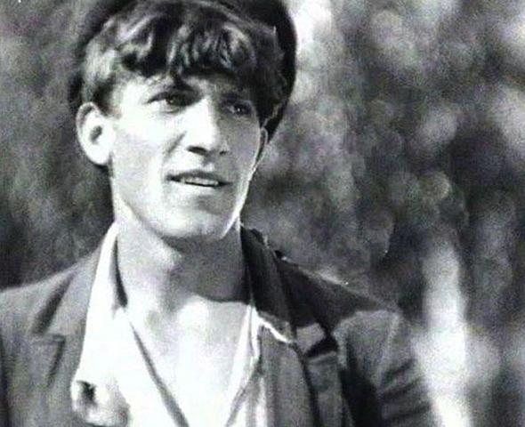 """В фильме """"Окраина"""" (1933)"""