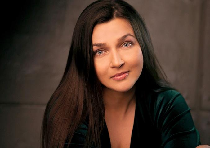 Актриса Вера Полякова
