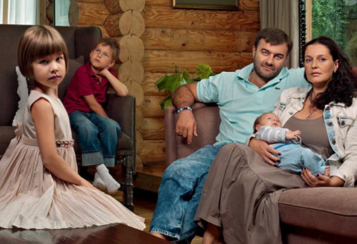 С женой Ольгой и детьми