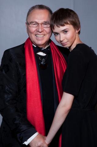 С внучкой Марией
