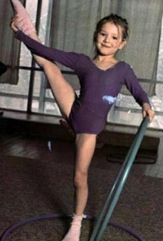 Занятие гимнастикой в детстве