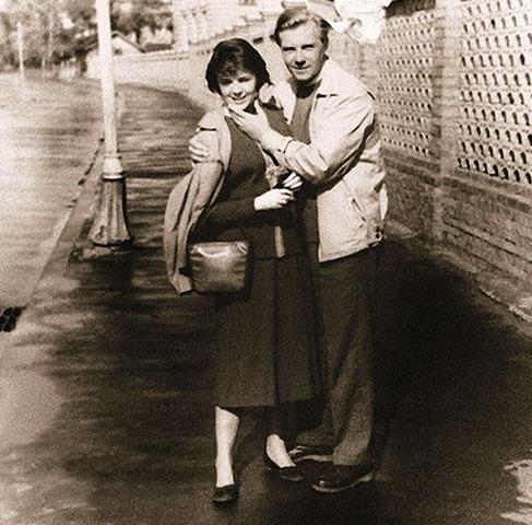 С женой Александрой в молодости
