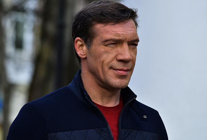 Известный актер Олег Чернов