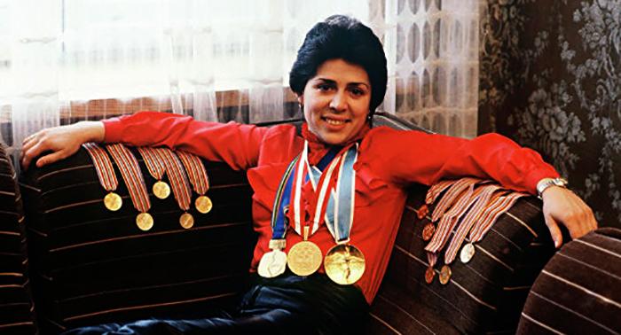 Ирина Роднина с медалями