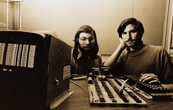 Джобс и Возняк в 1976 году