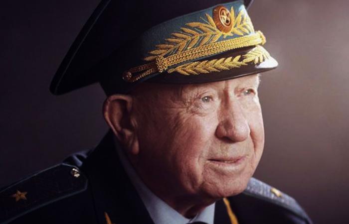 Алексей Леонов в старости