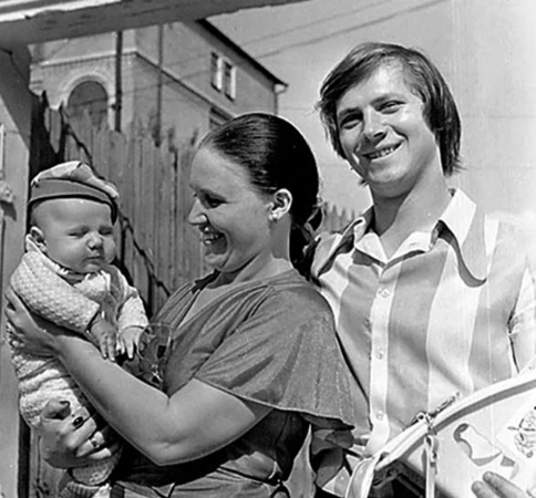С мужем Владимиром и сыном Данилой