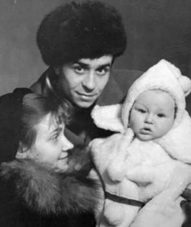 С женой Аллой и сыном Юрием