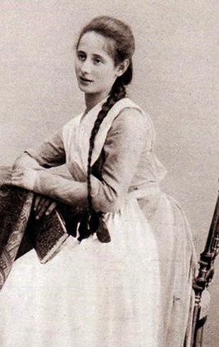 Анна в 1896 году