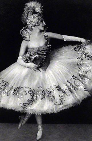 В 1927 году на сцене в Лондоне