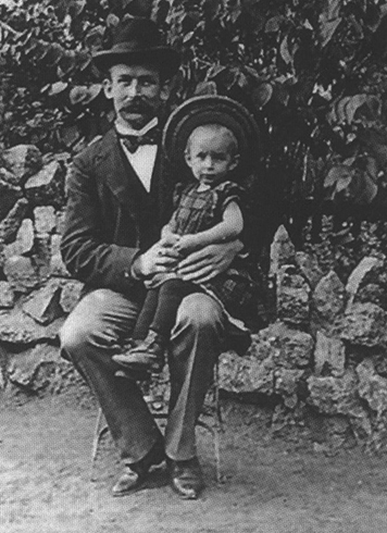 С отцом Петером Францем Ремарком