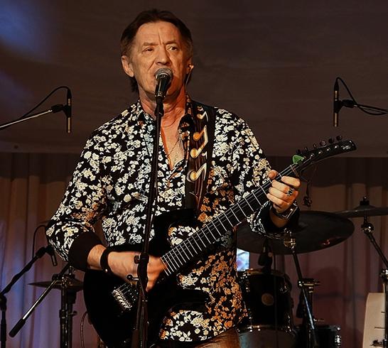 Музыкант Сергей Дроздов