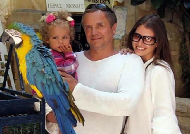 С Ольгой и дочерью