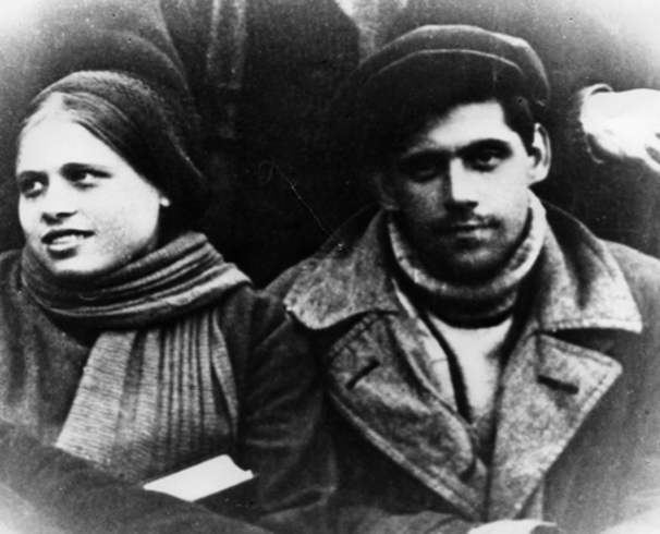 Ксения Федоровна и Бруно Артурович — родители Алисы