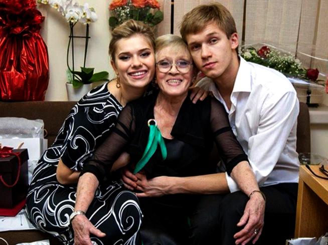 С внуками Анной и Никитой