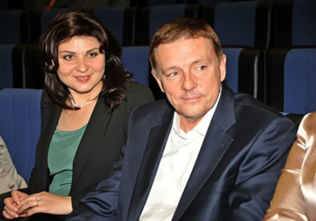 С Еленой Володиной
