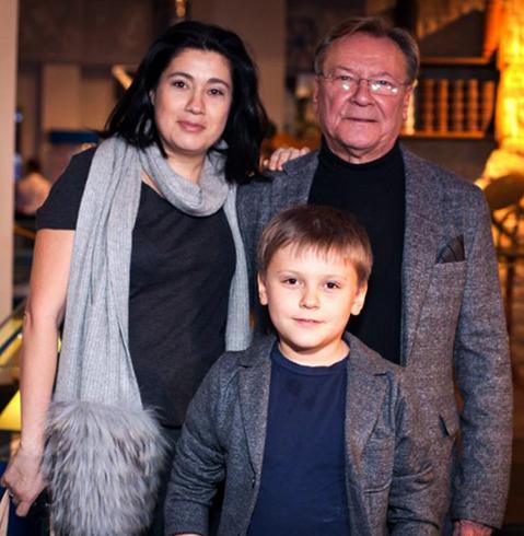 С женой Екатериной и сыном