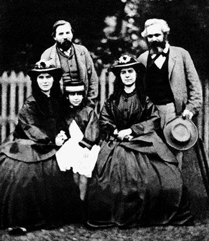 Энгельс, Маркс и его дочери