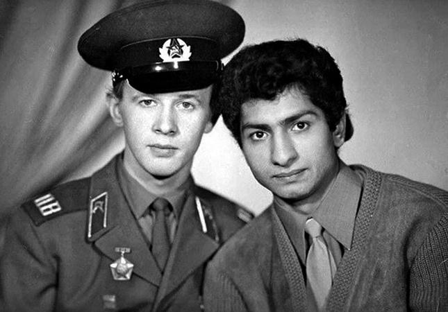 Виктор Косых и Василий Васильев на службе в армии (1960-ые)